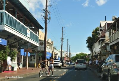 Lahaina bike traffic