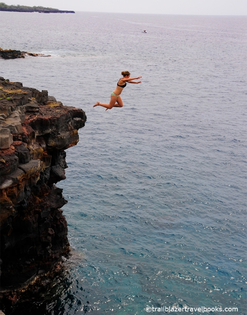 hawaii cliff jumper   bigisland  hawaiioutside . trailblazerhawaii